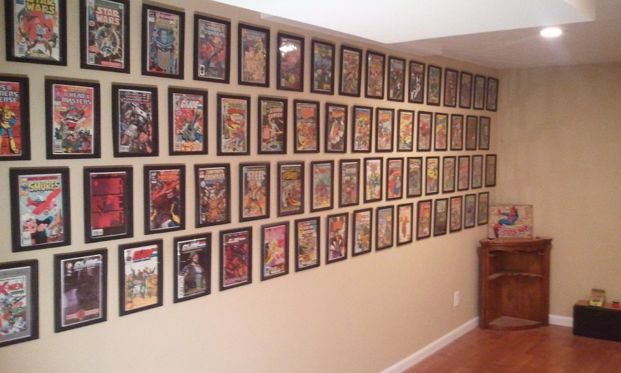 Man Caves Book : Comic book frame